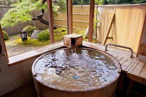 人気の貸切風呂桶風呂【ほの香】